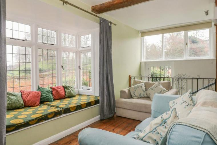 Lounge area, Ropes Cottage, Colchester