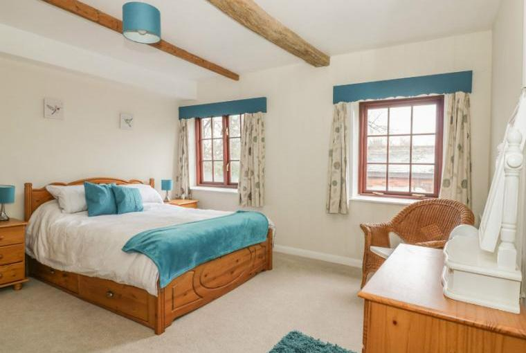 Well presented bedrooms, Ropes Cottage, Colchester