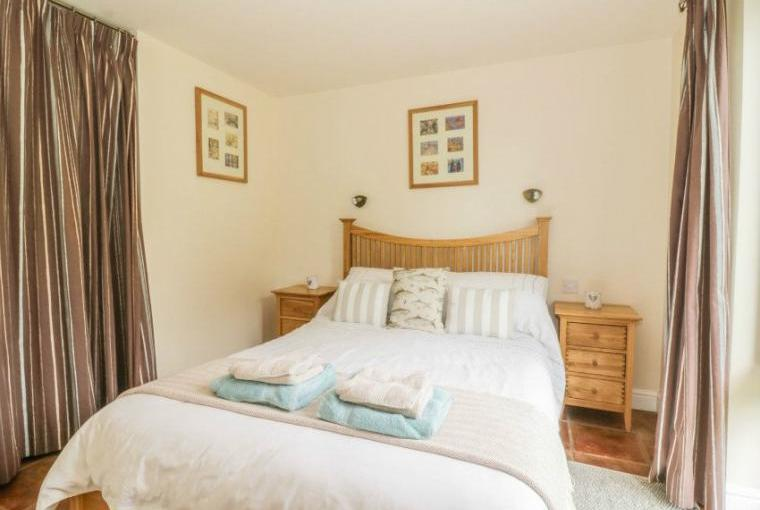 Comfortable bedroom, Fishermans Lodge