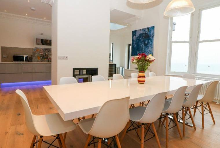 Dining area,  Cliffhanger House