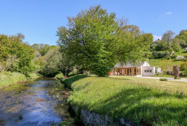 Lynhays Riverside Cottage near Launceston