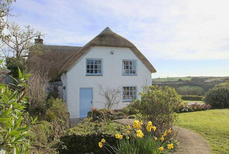 Thatched Rose Cottage on Lizard Peninsula