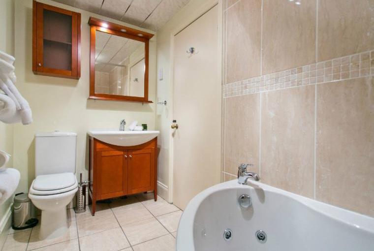 Bathroom, Staffield Hall