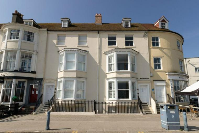 High Tide, 5 bedroom holiday let in Weymouth