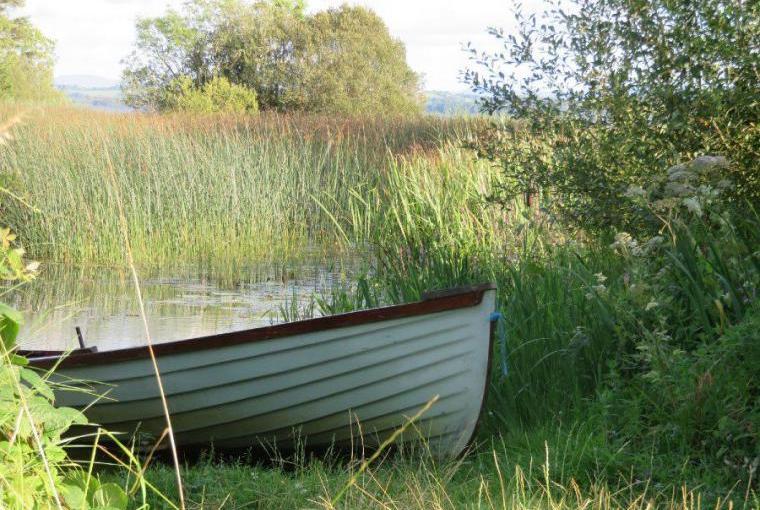 Enjoy boating nearby