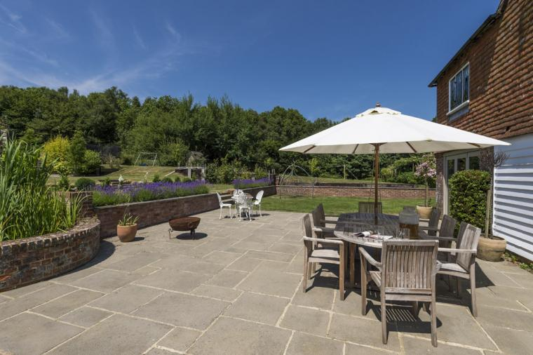 Farmhouse Courtyard accommodation group stays