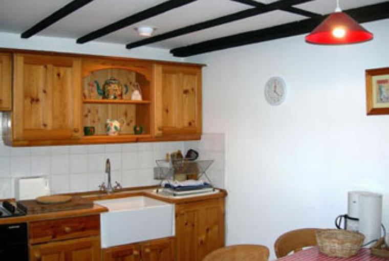 Prepare meals and snacks or eat out, the choice is yours on a country cottage self-catering holiday