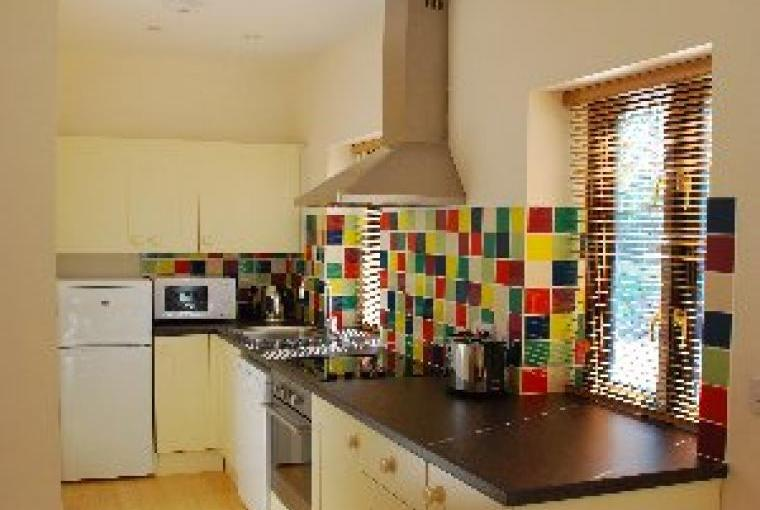Norfolk country cottage: Well equipped kitchen