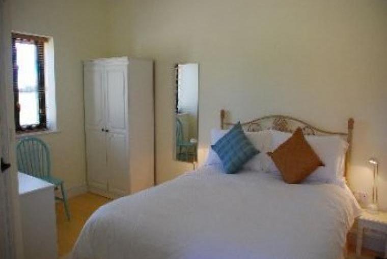 2 bedroom Norfolk holiday cottage. Bedroom 1 with wetroom