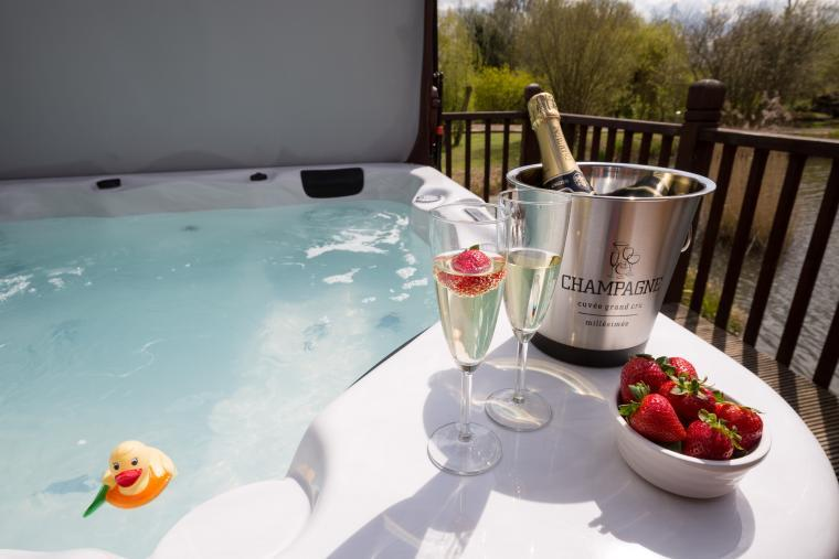 Hot Tub and Complimentary Champagne