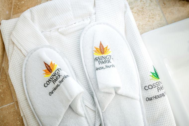 Cossington Park bathrobes & slippers