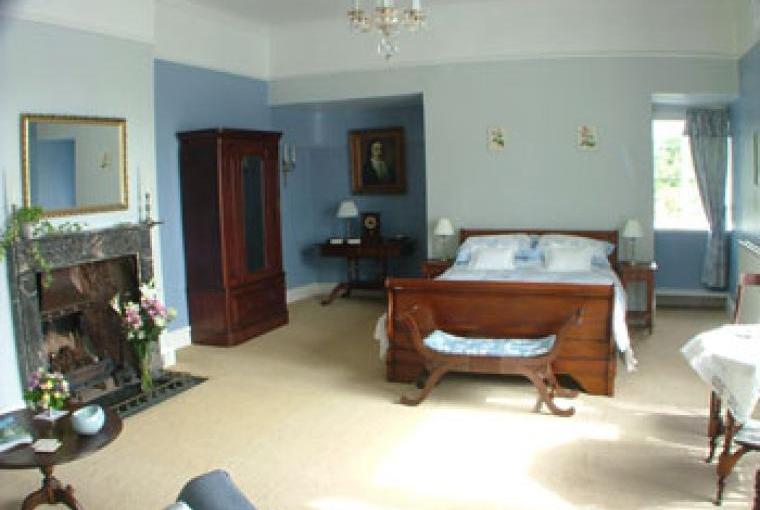 cotatge with additional accommodation in B&B for extra guests