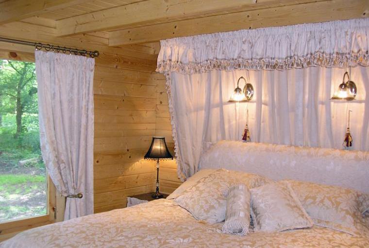 romantic log cabin for 2 in devon