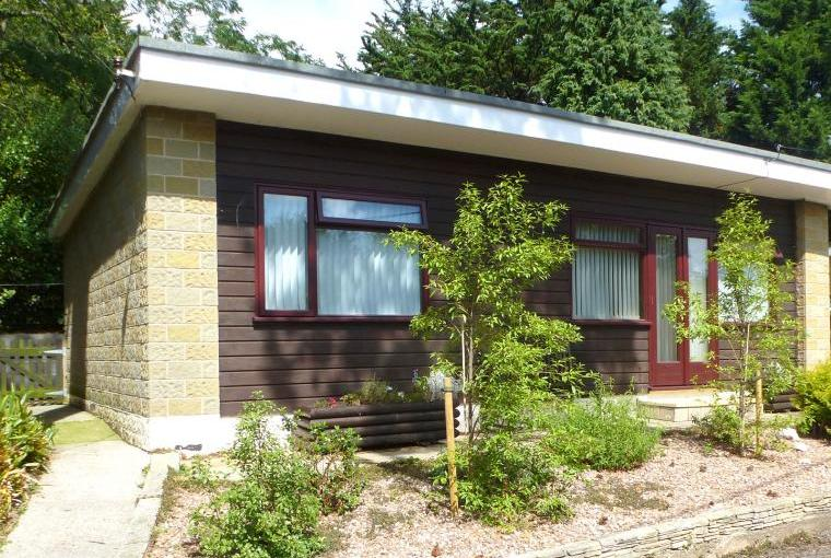 two bedroom holiday chalet blue anchor north somerset
