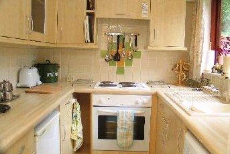 Holiday chalet fitted kitchen washing machine