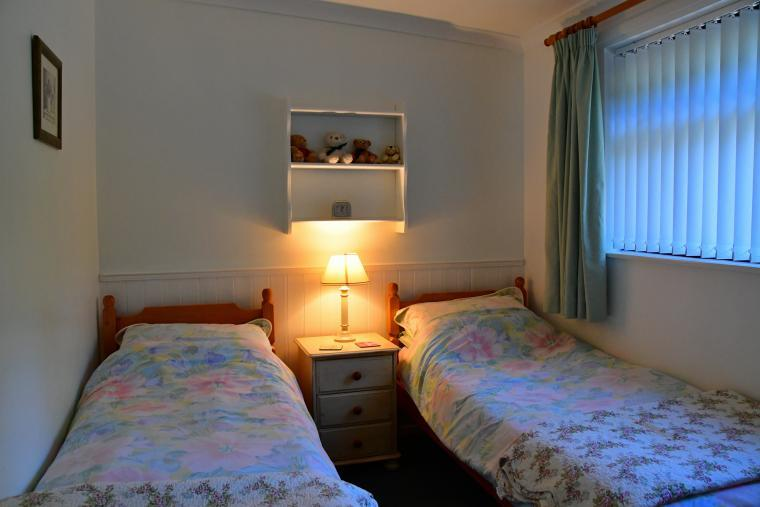 Holiday chalet double bedroom twin bedroom