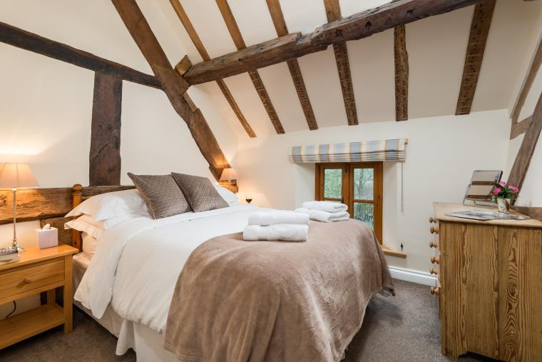 Sleeps 7+1, Cosy, Beautiful 5* Gold, Cottage in amazing rural location with Free WiFi, shared Games room , Herefordshire, Photo 2