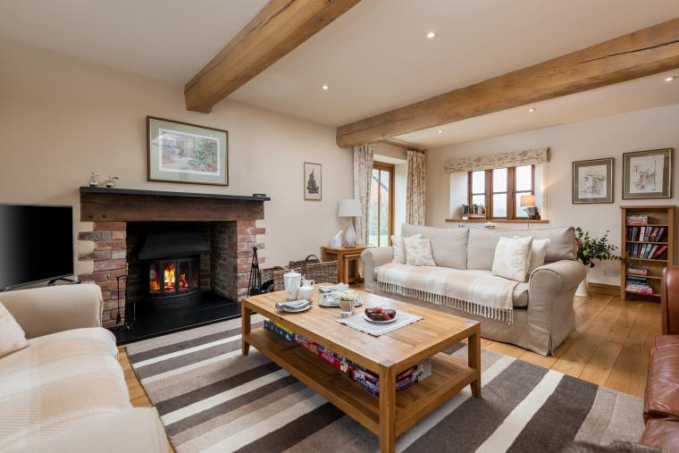 Sleeps 7+1, Cosy, Beautiful 5* Gold, Cottage in amazing rural location with Free WiFi, shared Games room , Herefordshire, Photo 12