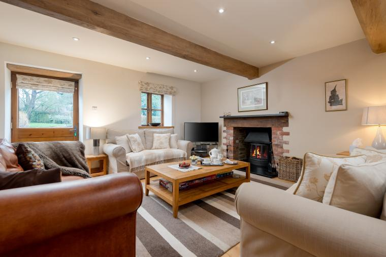 Sleeps 7+1, Cosy, Beautiful 5* Gold, Cottage in amazing rural location with Free WiFi, shared Games room , Herefordshire, Photo 16