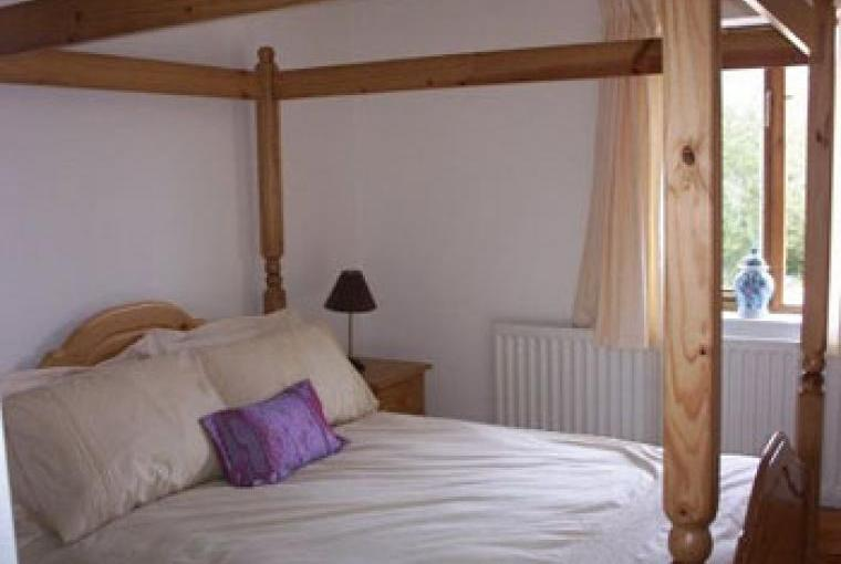 cottages with four poster beds, beams and wood burners