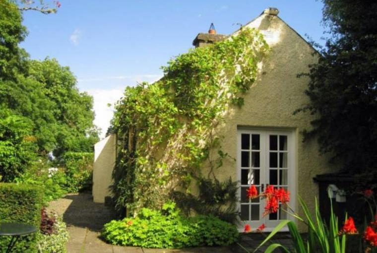 Cottage in Ireland sleeps 2 holidays