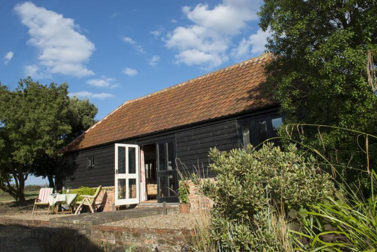 Bromans Barn, secluded cottage self-catering near Colchester Essex