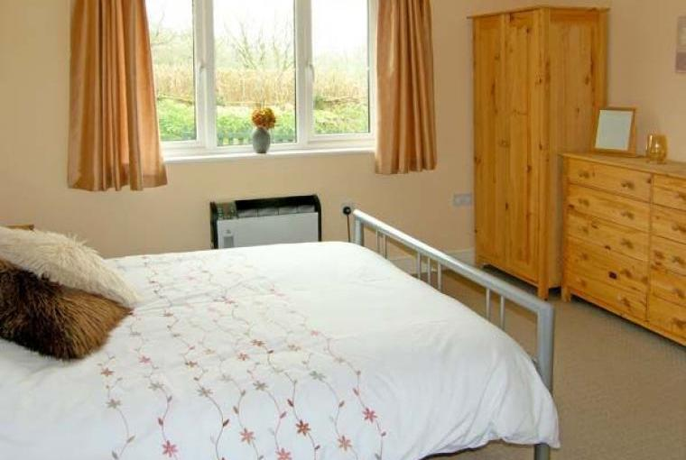 Bedroom, Kitchen, Family-Friendly Holiday Bungalow near Narberth