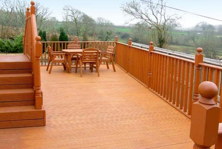 Outdoor dining area, Family-Friendly Holiday Bungalow near Narberth