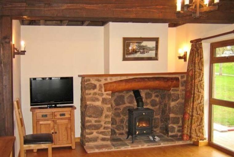 Hazel Wooden Lodge near Exmoor, Cheshire, Photo 3
