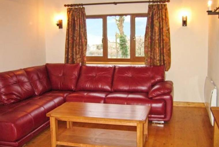 Hazel Wooden Lodge near Exmoor, Cheshire, Photo 4