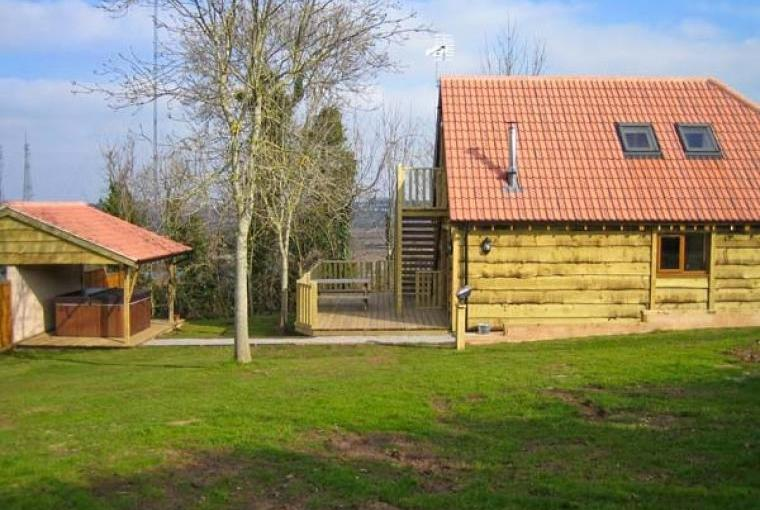 Hazel Wooden Lodge near Exmoor, Cheshire, Photo 6