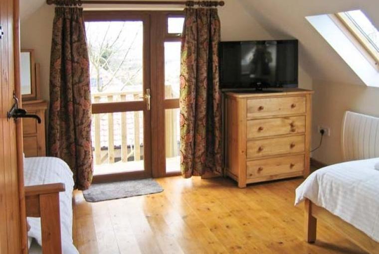 Hazel Wooden Lodge near Exmoor, Cheshire, Photo 9