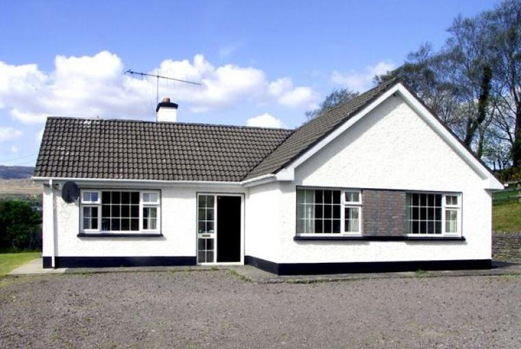 Ring of Kerry Holiday Bungalow, 1 Dog Welcome, Cheshire, Photo 1