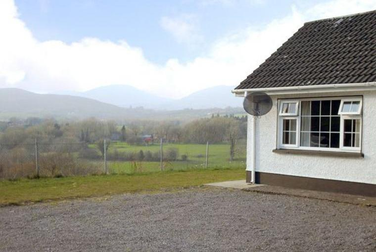 Ring of Kerry Holiday Bungalow, 1 Dog Welcome, Cheshire, Photo 9