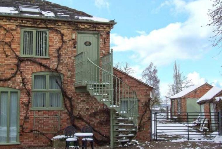 Hayloft Romantic Retreat, Cheshire, Photo 1