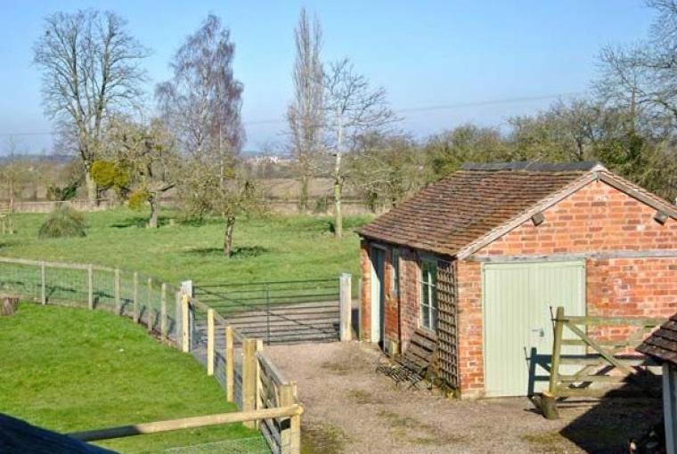 Hayloft Romantic Retreat, Cheshire, Photo 7