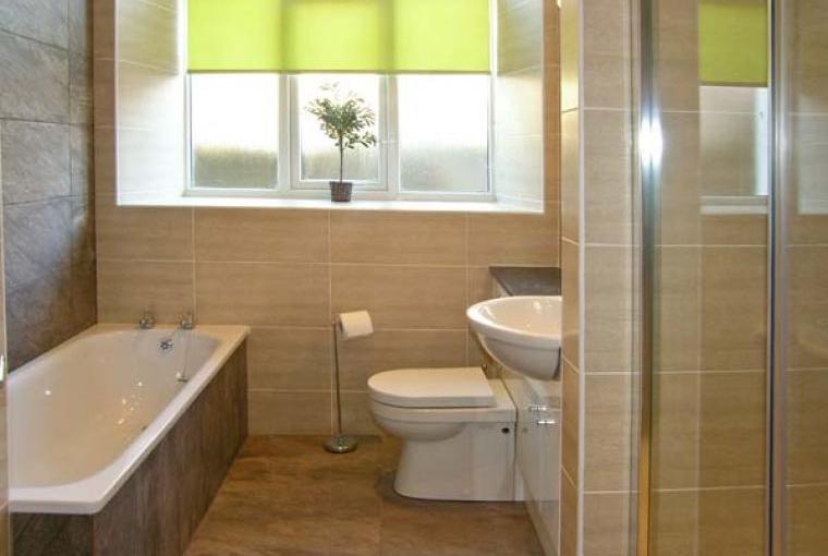 Bathroom, Yr Hen Festri Unique Holiday House, Gwynedd