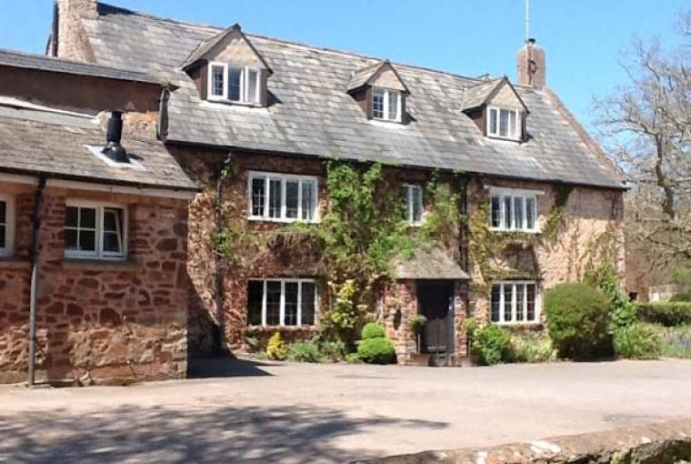 Dragon Country House Sleeps 22 near Exmoor