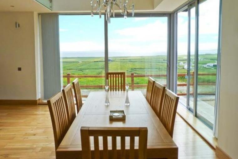 Fabulous views at Tranquil Hill Seaview Cottage
