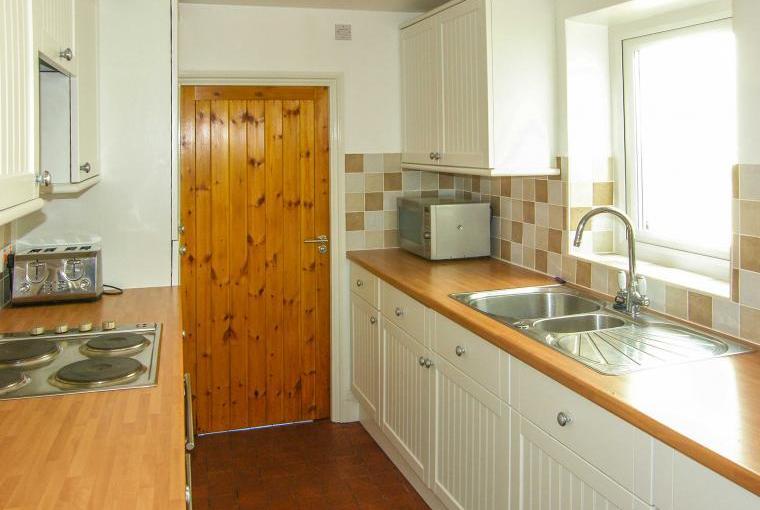 Kitchen, Glynmoor Coastal Cottage, Ceredigion, Wales