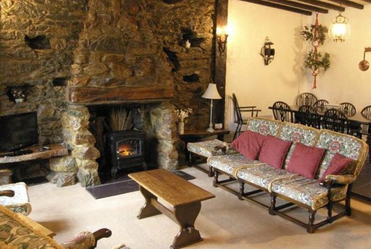 Lounge, Llyn Peninsula Character Cottage, Gwynedd