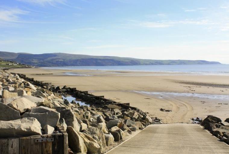 Discover coastal Snowdonia on holiday