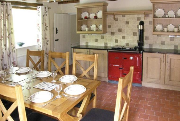 Ty Mawr Farmhouse kitchen/diner