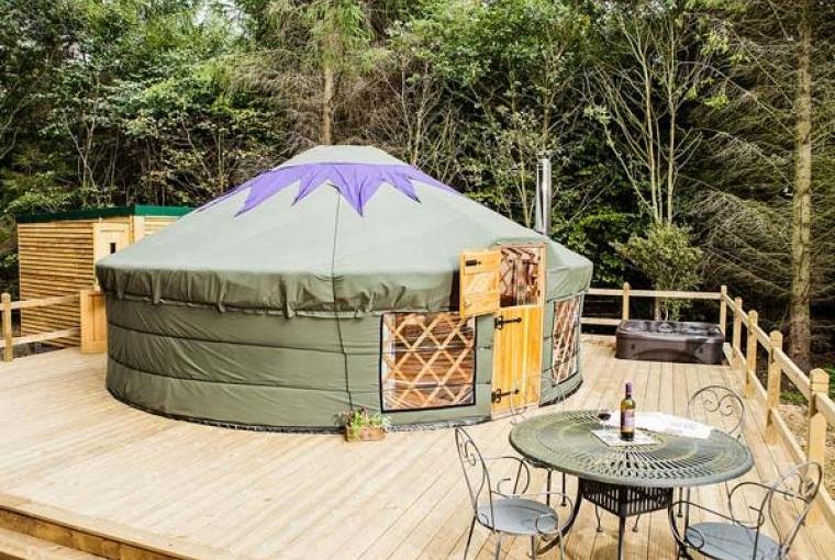 Rowan Holiday Yurt near the Peak District National Park, Cheshire, Photo 1