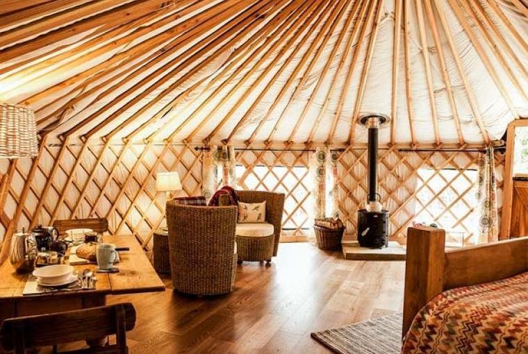 Rowan Holiday Yurt near the Peak District National Park, Cheshire, Photo 2