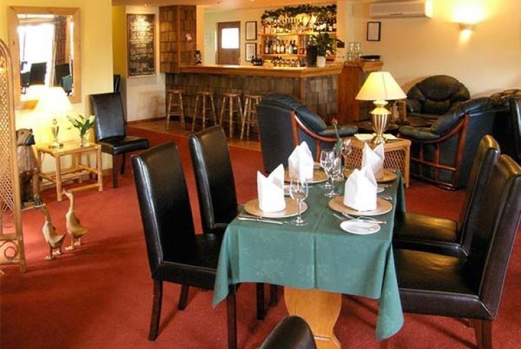 Callow Timber Lodge 2, Cheshire, Photo 3
