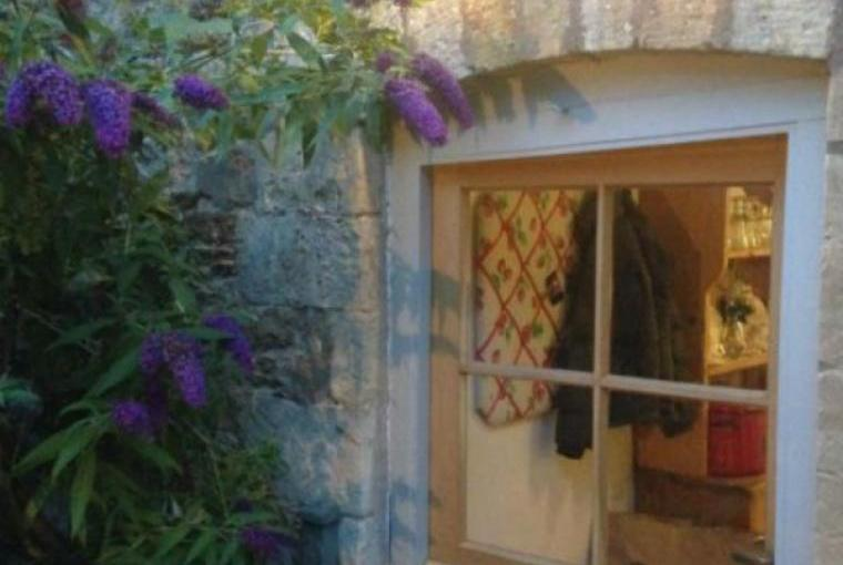Pretty oak stable door.  Entrance from courtyard to kitchen.