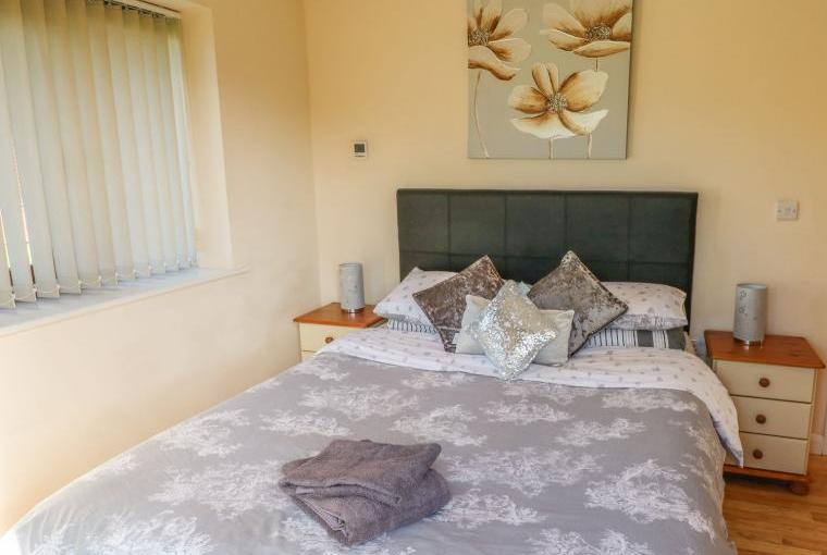 One double bedroom, Belfry Dogs-Welcome Lodge, Lincolnshire