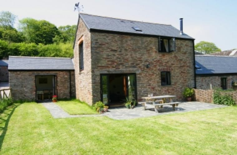 beautiful self-catering country cottage sleeping 4 with logburner and enclosed garden