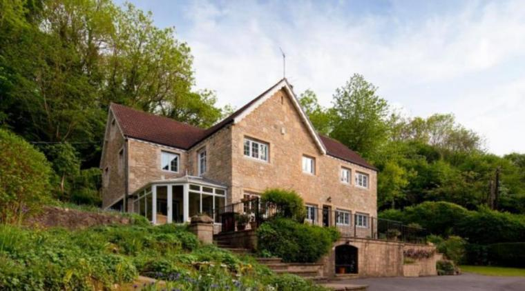 6 Bedroom Country House set in a Secluded Valley